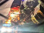 kendaraan-dump-truk-terlempar-ke-parit-setelah-mengalami-tab1-malam.jpg