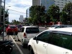 kendaraan-parkir-di-jalan-pandanaran-saat-tanggal-merah_20161212_191149.jpg