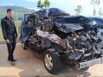 kendaraan-yang-risngsek-seusai-terlibat-kecelakaan-di-tol-semarang-batang-di.jpg