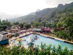 kepadatan-wisatawan-di-lokawisata-baturraden-rabu-02012018.jpg