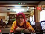 kepala-dp3akb-provinsi-jateng-retno-sudewi-saat-mengikuti-diskusi-online.jpg
