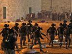 kepolisian-israel-mengusir-palestina-dalam-bentrokan-yang-berlangsung-di-masjid-al-aqsa.jpg