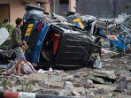 kerusakan-akibat-gempa-dan-tsunami-di-palu_20180930_115521.jpg