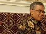ketua-dewan-komisioner-ojk-wimboh-santoso_20180215_190927.jpg