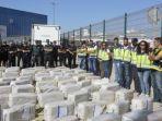kokain-seberat-37-ton-senilai-rp-35-triliun-diamankan-dari-sebuah-kapal_20171009_185900.jpg