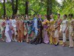 koleksi-pakaian-karya-ferry-sunarto-pada-festival-indonesia-di-moskow.jpg