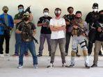 komunitas-airsofter-semarang-foto-bersama-sebelum-bermain-skirmish.jpg