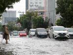 kondisi-banjir-di-jalan-gadjah-mada-kota-semarang-sabtu-622021.jpg