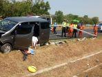 kondisi-kendaraan-seusai-terlibat-kecelakaan-tunggal-di-jalan-tol-solo-ngawi-km-511.jpg