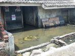 kondisi-satu-rumah-di-desa-sriwulan-rt-3-rw-8-kecamatan-sayung-kabupaten-demak.jpg