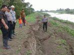 kondisi-tanggul-sungai-wulan-kritis-tepatnya-di-desa-medini-undaan-kudus-kamis-822018_20180208_162029.jpg