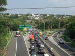 kondisi-terkini-arus-lalu-lintas-di-tol-sekitar-km-428-di-wilayah-jangli-candisari-kota-s.jpg