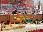konferensi-pers-kasus-narkoba-mapolda-metro-jaya-30-juli-2020.jpg