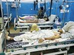 korban-luka-luka-akibat-ledakan-bom-kabul-afghanistan.jpg