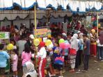 kuliner-lokal-jadi-jujukan-peserta-jalan-sehat-festival-semarangan-di-padangsari_20161002_091214.jpg