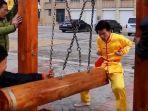 kung-fu-dengan-teknik-selangkangan-besi-dipromosikan-kembali-oleh-master-kung-fu-wang-liutai.jpg