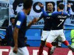 kylian-mbappe-dan-antoine-griezmann-merayakan-gol-prancis-ke-gawang-argentina_20180630_231123.jpg