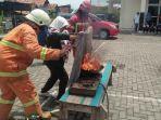 latihan-pemadaman-kebakaran-pekalongan.jpg