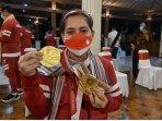 leani-peraih-dua-medali-emas.jpg