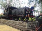 lokomotif-kuno-yang-berada-di-dekat-pintu-keluar-lawangsewu-semarang_20180218_140634.jpg