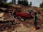 longsor-galian-c-di-kalurahan-kebunbatur-kecamatan-mranggen-kabupaten-demak.jpg