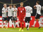 luca-waldschmidt-dua-dari-kiri-merayakan-gol-bersama-rekan-satu-timnya.jpg