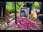 makam-didi-kempot-di-tempat-pemakaman-umum-tpu-desa-majasem-kecamatan-kendalngawi.jpg