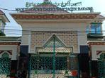 masjid-agung-darul-muttaqin-batang-ditutup-dan-sementara.jpg
