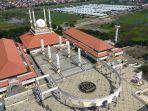 masjid-agung-jawa-tengah-majt-di-jalan-gajah-raya-kota-semarang_20180404_161330.jpg