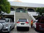 masjid-agung-kendal-alternatif-tempat-melepas-lelah_20170624_154637.jpg
