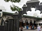 menilik-masjid-rahmat-tertua-di-surabaya_20170619_084153.jpg
