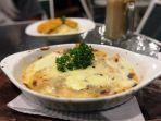 menu-beef-lasagna-disajikan-di-the-kitchen_20170927_103757.jpg