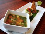 menu-coto-makassar-disajikan-di-hotel-noormans_20180320_125430.jpg