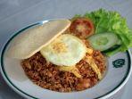 menu-nasi-goreng-toko-oen-disajikan-di-toko-oen-di-jalan-pemuda-kota-semarang_20180428_182932.jpg