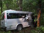minibus-kecemplung-jurang-di-simpur-gunung-lio-di-desa-bandungsari-brebes_20171117_111437.jpg