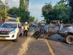 mobil-isuzu-panther-vs-truk-tronton-di-jalur-pantura-tuban-tepatnya-di-jalan.jpg