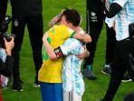 momen-haru-saat-neymar-bertemu-messi-sesusai-final-copa-america-2021.jpg