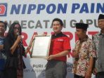 nippon-paint-indonesia-raih-muri_20170819_005329.jpg