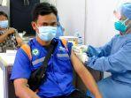 operator-dan-awak-mobil-tangki-pertamina-di-semarang-jalani-vaksinasi.jpg