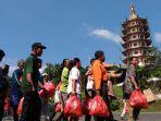 pagoda-buddhagaya-bagikan-500-bingkisan-lebaran_20170618_124845.jpg
