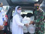 paket-bantuan-sembako-sekretaris-daerah-batang-lani-dwi-rejeki-kepada-satgas-covid-19.jpg