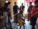 palang-merah-indonesia-pmi-kabupaten-banyumas-saat-memberikan-bantuan.jpg