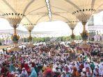 para-hafidzah-di-pulau-jawa-melaksanakan-khataman-di-masjid-agung-jawa-tengah-majt.jpg
