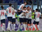 para-pemain-timnas-inggris-merayakan-gol-keempat-dalam-pertandingan-ukraina-vs-inggris.jpg