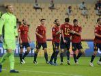 para-pemain-timnas-spanyol-merayakan-gol.jpg