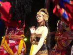 parade-seni-pesta-rakyat-jateng-di-pemalang_20180821_214526.jpg