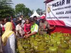 pasar-murah-meriah-di-kudus-lpg-3-kilogram-hanya-rp-15-ribu_tabung-gas_yan_20160621_183417.jpg