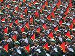 pasukan-pengawal-revolusi-iran-berbaris-dalam-parade-militer-yang-menandai.jpg