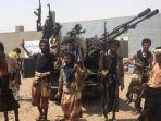 pasukan-pro-pemerintah-yaman-yang-didukung-koalisi-pimpinan-arab-saudi-berkumpul-di-sela-pertempuran.jpg