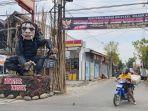 patung-kera-raksasa-berwarna-hitam-di-gapura-jalan-nakula-kelurahan-slerok-kecamatan-tegal-timur.jpg